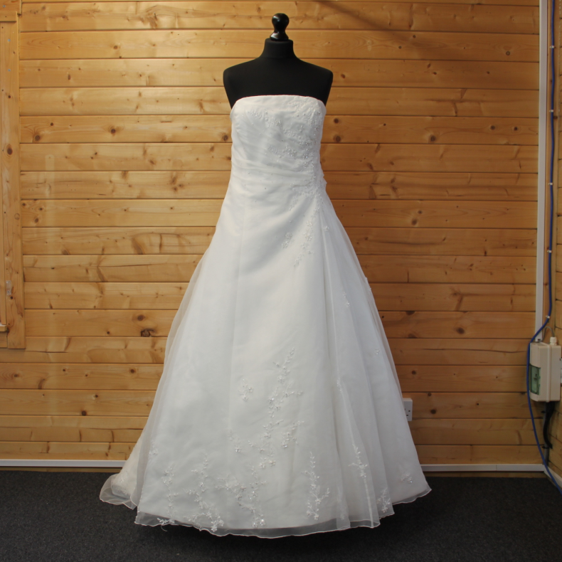 Lucky Sixpence Bridal wedding dress #133