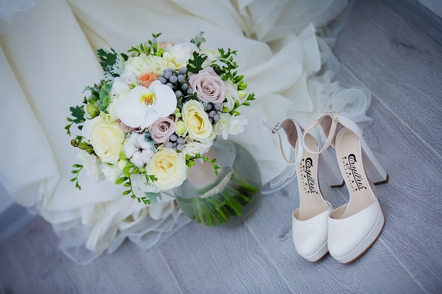 5 ways to start planning your wedding when stuck in lockdown.  Shoes, flowers, dress.